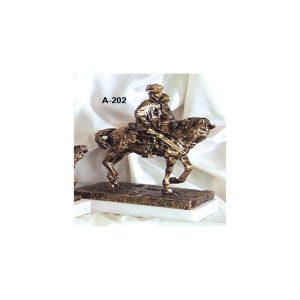 Figura caballo cuello torcido color bronce 32x27 cm.