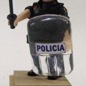 Muñeco articulado UIP con ESCUDO CNP
