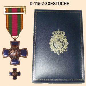 Medalla XX Años Dedicacion Policial + Medalla tipo pin con Estuche Polipiel